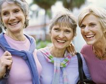 Amitié entre femmes seniors